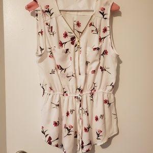 Gorgeous floral sleeveless blouse